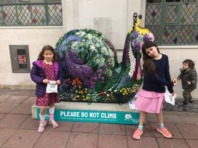 Hanging Out With The Snailspace Snails (5)