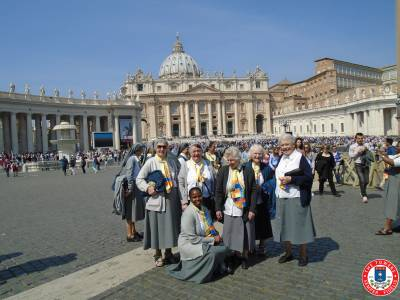 Sisters-in-Rome-2015-(46)